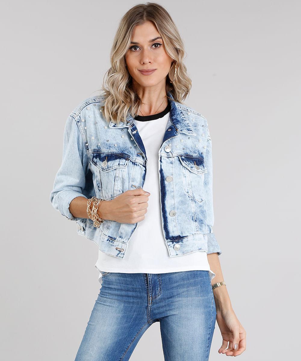 46596d014f Jaqueta Jeans Feminina Cropped com Aviamentos Manga Longa Azul Claro ...