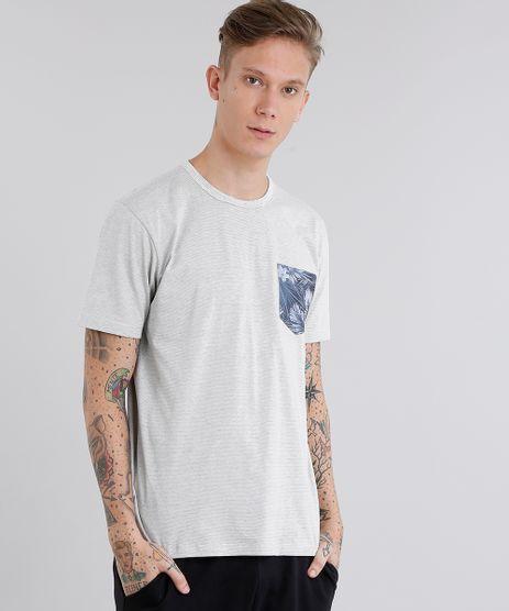 Camiseta-Masculina-com-Bolso-Estampado-de-Folhagem-Manga-Curta-Gola-Careca-Cinza-Claro-9046846-Cinza_Claro_1