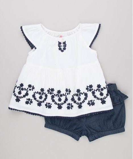 23657fce68394 Conjunto Infantil de Blusa com Bordado Manga Curta Off White + Short Jeans  com Babados Azul Escuro - cea