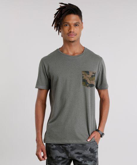 Camiseta-Masculina-com-Bolso-Estampado-Camuflado-Manga-Curta-Gola-Careca-Verde-Militar-9127319-Verde_Militar_1
