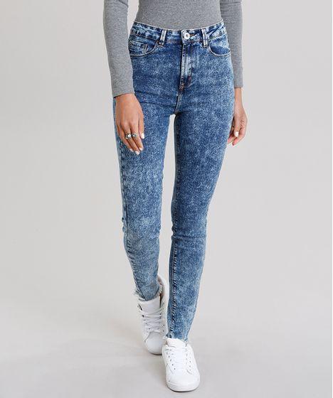 3900589df Calça Jeans Feminina Cigarrete Marmorizada Cintura Alta Azul Médio ...