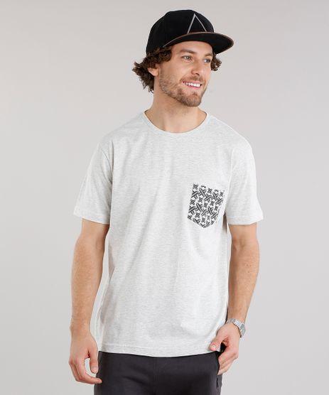 Camiseta-Masculina-com-Bolso-Estampado-de-Pranchas-Manga-Curta-Gola-Careca-Cinza-Mescla-Claro-9125663-Cinza_Mescla_Claro_1