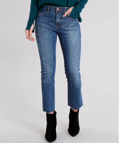 656a9b83b5 Calça Jeans Feminina Cropped Reta com Barra Desfiada Cintura Alta ...