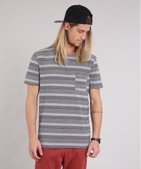 Camiseta Masculina Listrada com Bolso Manga Curta Gola Careca Cinza ... 324ffba27da