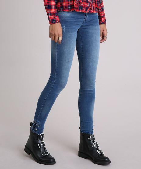 Calca-Jeans-Feminina-Cigarrete-com-Piercing-na-Barra-Azul-Medio-9123052-Azul_Medio_1