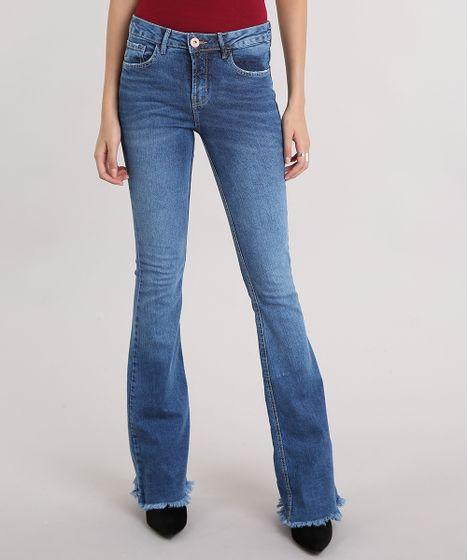 7bd9f7c4a Calça Jeans Feminina Flare com Barra Desfiada Azul Médio - cea