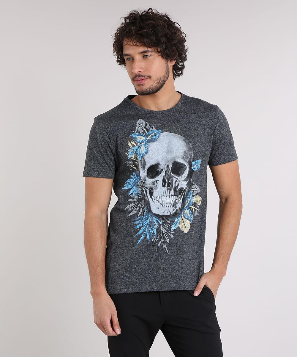 32c91ad99 Camiseta Masculina Slim Fit com Estampa de Caveira Manga Curta Gola ...