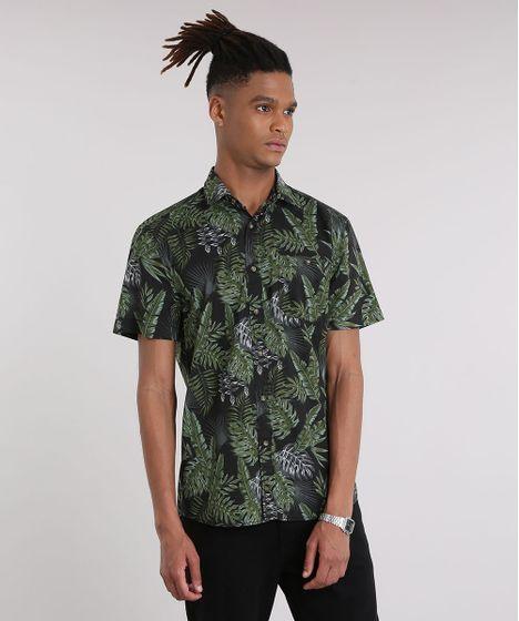 2c3c9d5600 Camisa Masculina Estampada de Folhagens com Bolso Manga Curta Preta ...
