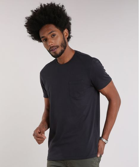 d5be772ac Camiseta Masculina Básica com Bolso Manga Curta Gola Careca Preta - cea
