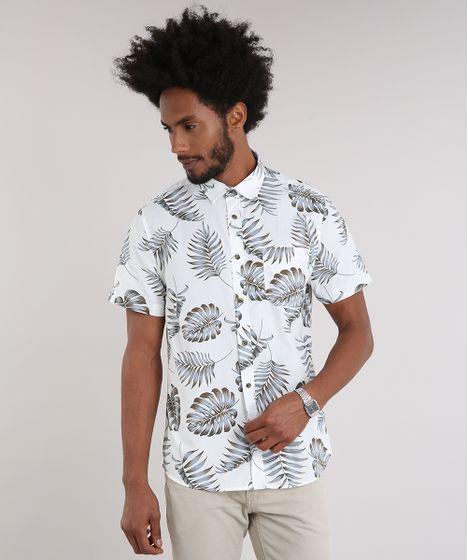 e8e2e33357 Camisa Masculina Estampada de Folhagem com Bolso Manga Curta Off ...