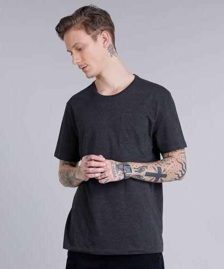 Camiseta-Masculina--Stay-Away--com-Bolso-Manga-Curta-Gola-Careca-Cinza-Mescla-Escuro-9189509-Cinza_Mescla_Escuro_1