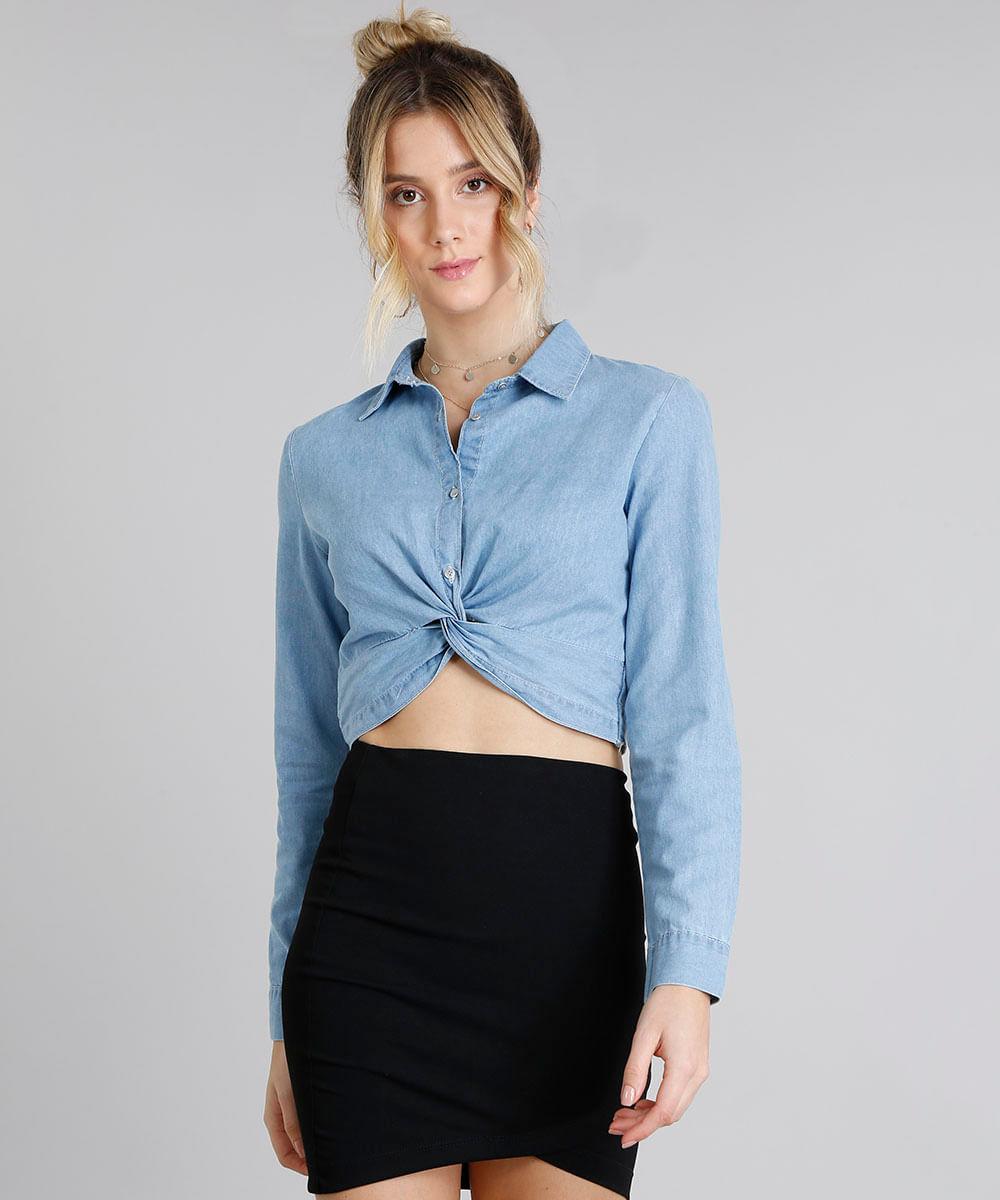 c8ea29dfaa Camisa Jeans Feminina Cropped com Nó Manga Longa Azul Claro ...