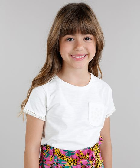 Blusa-Infantil-Fabula-com-Bolso-e-Franjas-Manga-Curta-Decote-Redondo-Off-White-9217645-Off_White_1