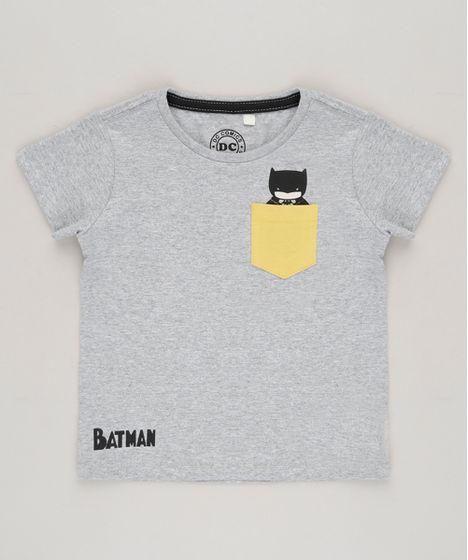 6242f342f Camiseta Infantil Batman com Bolso Manga Curta Gola Careca Cinza ...
