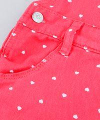 7250b92f81 Jardineira de Sarja Infantil Estampada de Corações com Bolsos Rosa ...