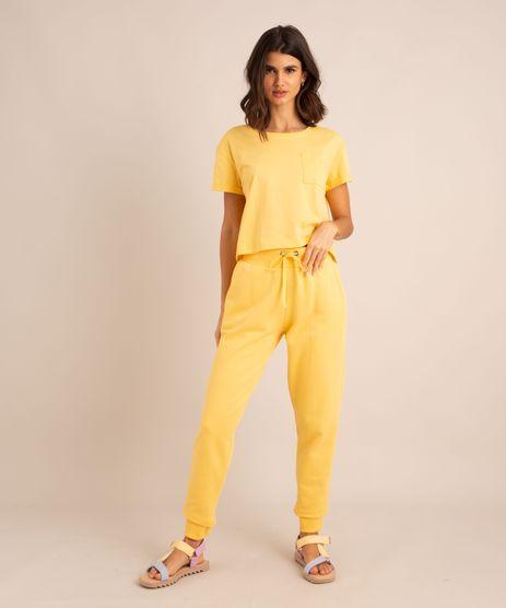 conjunto-basico-de-camiseta-cropped-com-bolso-manga-curta-decote-redondo---calca-jogger-de-moletom-cintura-media--amarelo-claro-1006882-Amarelo_Claro_1