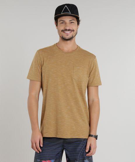 Camiseta-Masculina-com-Bolso-Manga-Curta-Gola-Careca-Marrom-9286133-Marrom_1