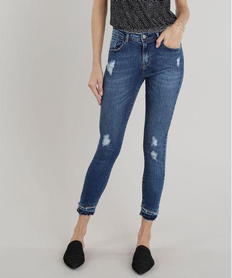 3118bb09f Calça Jeans Feminina Cigarrete Cintura Alta com Puídos Azul Escuro - cea