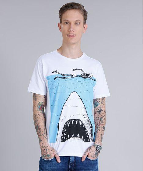 333fcb0193526 Camiseta Masculina Estampada de Tubarão Manga Curta Gola Careca ...