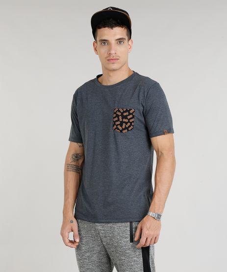 Camiseta-Masculina-com-Bolso-Estampado-de-Abacaxi-Manga-Curta-Gola-Careca-Cinza-Mescla-Escuro-9304029-Cinza_Mescla_Escuro_1