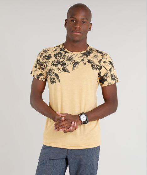 ace778e81 Camiseta Masculina com Estampa Floral Manga Curta Gola Careca ...