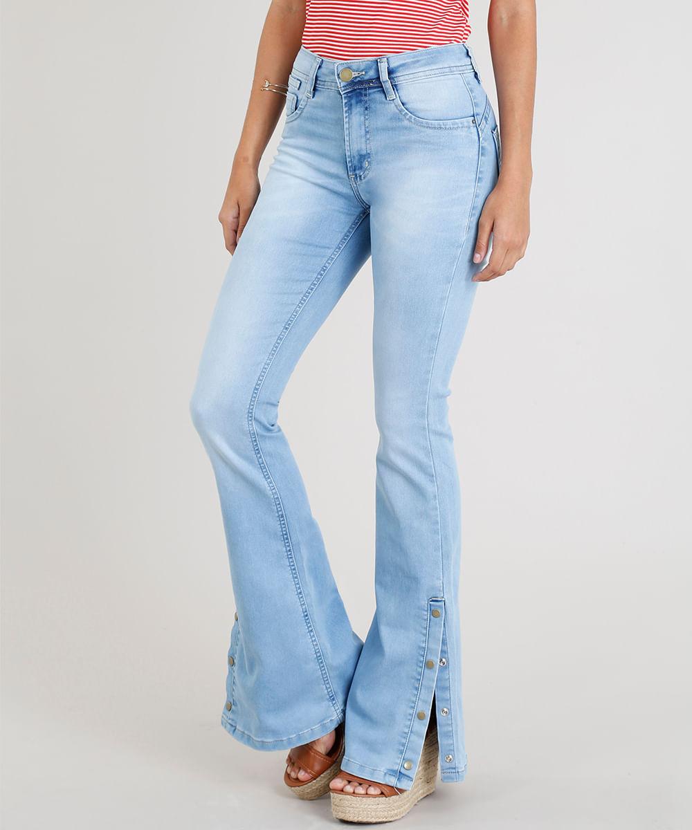 b812b6f91 Calça Jeans Feminina Sawary Flare com Fenda e Botões Azul Claro - cea