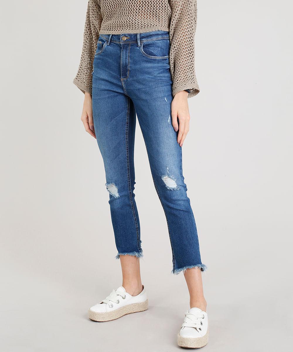 90c3102c2 Calça Jeans Feminina Reta Vintage com Rasgos Azul Médio - cea