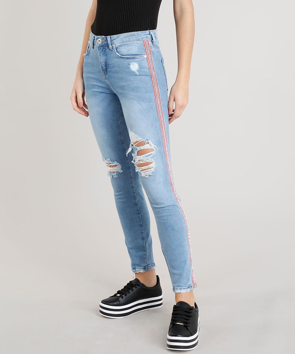 2f6202c22 Calça Jeans Feminina Skinny com Rasgos e Faixa Lateral Azul Claro - cea
