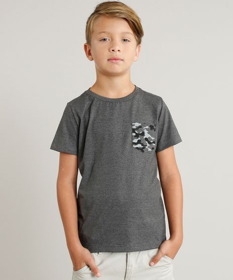 Camiseta-Infantil-com-Bolso-Estampado-Camuflado-Manga-Curta-Gola-Careca-Cinza-Mescla-Escuro-9329119-Cinza_Mescla_Escuro_1
