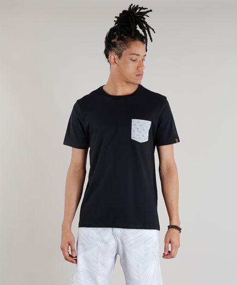 Camiseta-Masculina-com-Bolso-Estampado-Espinha-de-Peixe-Manga-Curta-Gola-Careca-Preta-9316708-Preto_1