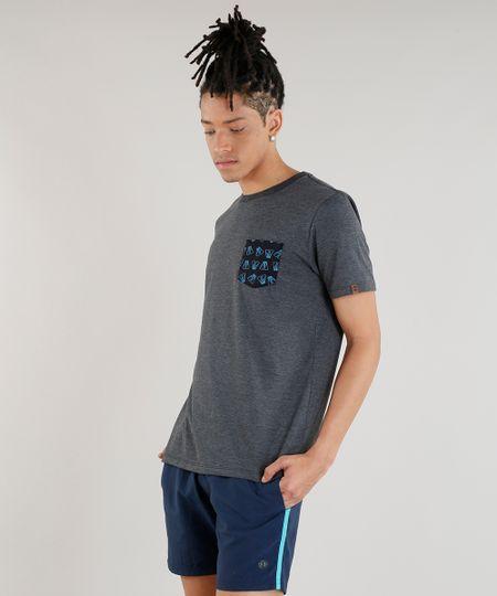 fc2b742c4067b Menor preço em Camiseta Masculina com Bolso Estampado Pé de Pato Manga  Curta Gola Careca Cinza