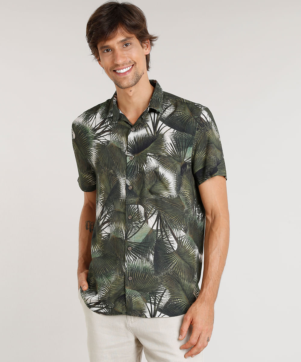 cec393bb969 Camisa Masculina Água de Coco Estampada Palmeira Manga Curta Verde ...