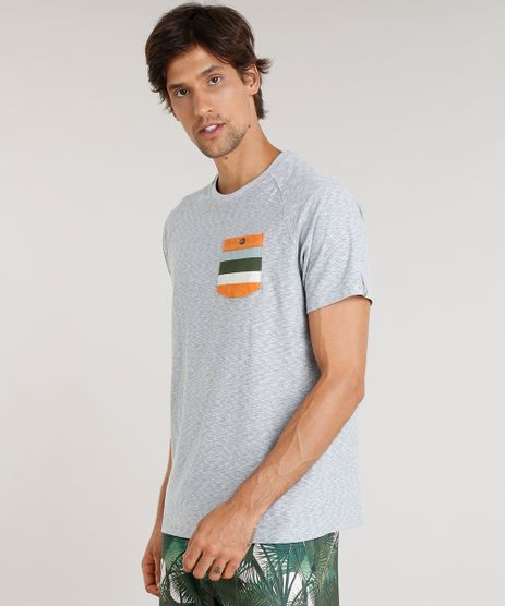Camiseta-Masculina-Agua-de-Coco-com-Bolso-Listrado-Manga-Curta-Gola-Careca-Cinza-Mescla-9344822-Cinza_Mescla_1