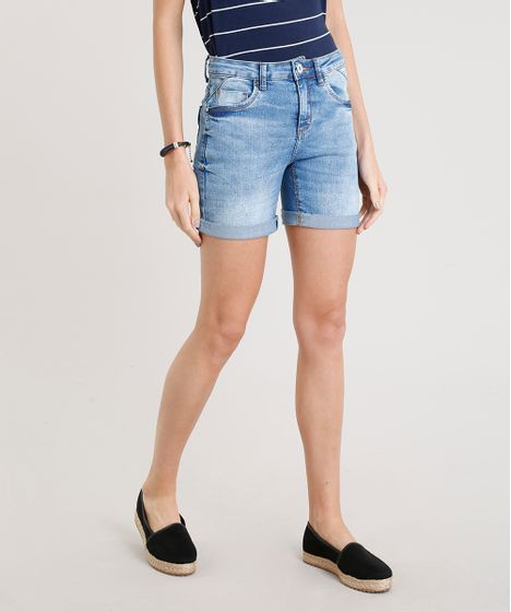 fb525ccd3a Bermuda Jeans Feminina com Barra Dobrada Azul Claro - cea