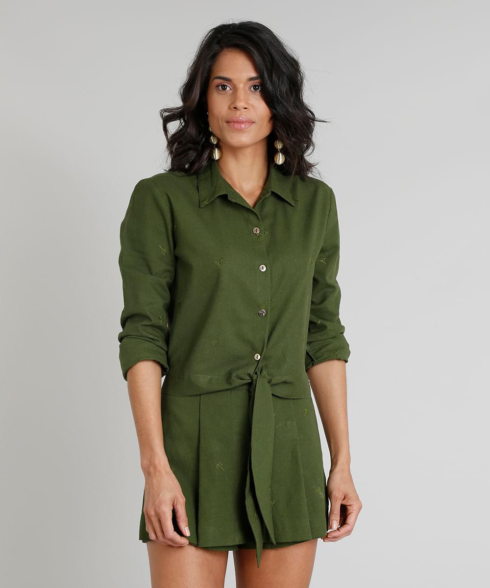 3175f9167 Camisa Feminina Água de Coco Cropped com Linho Bordada de Coqueiros Manga  Longa Verde Escuro