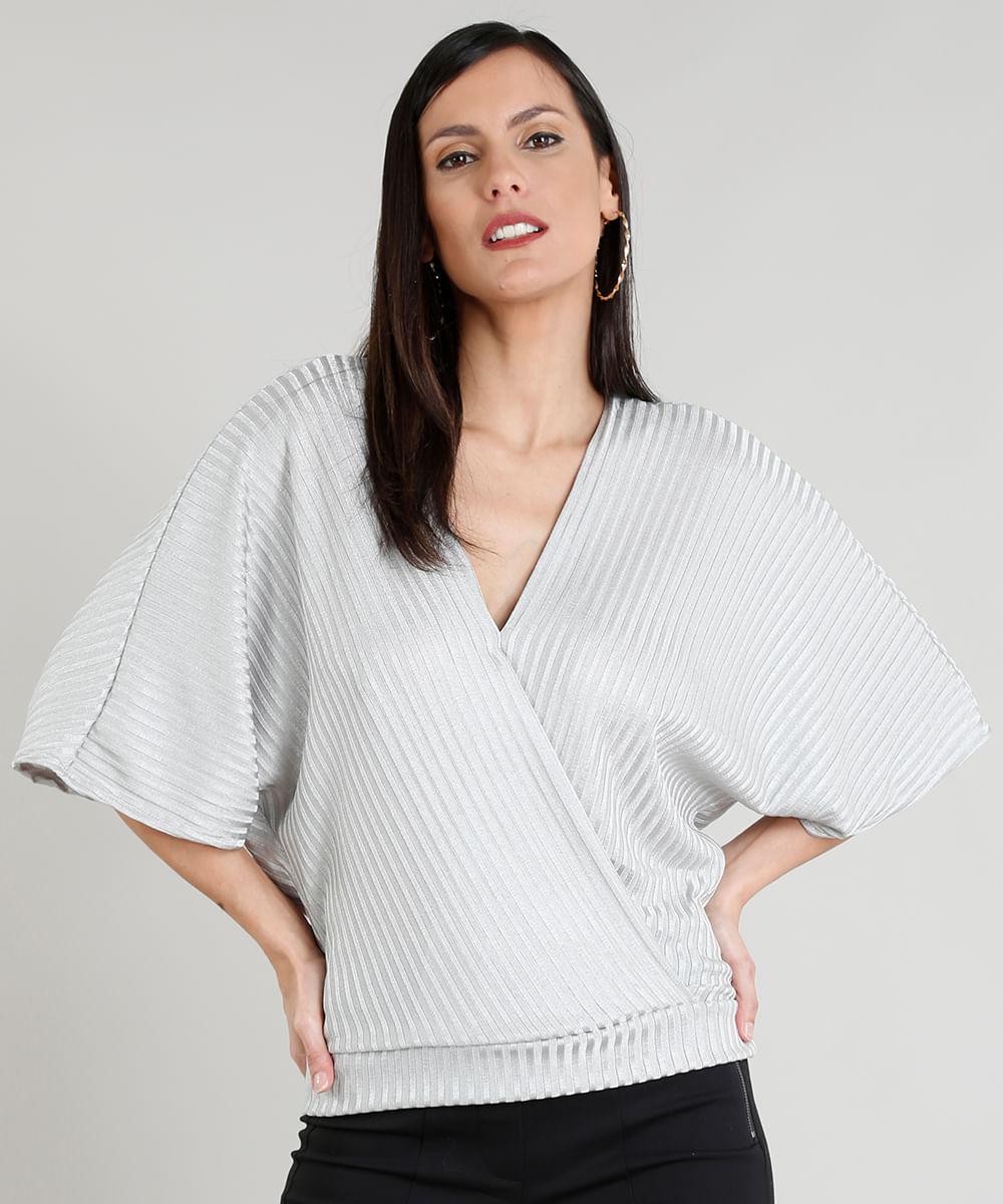 3efa5d301 Blusa Feminina em Tricô com Decote V Transpassado Cinza Claro - cea