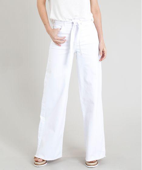 1593f84a0 Calça Pantalona Feminina com Amarração e Barra Desfiada Branca ...