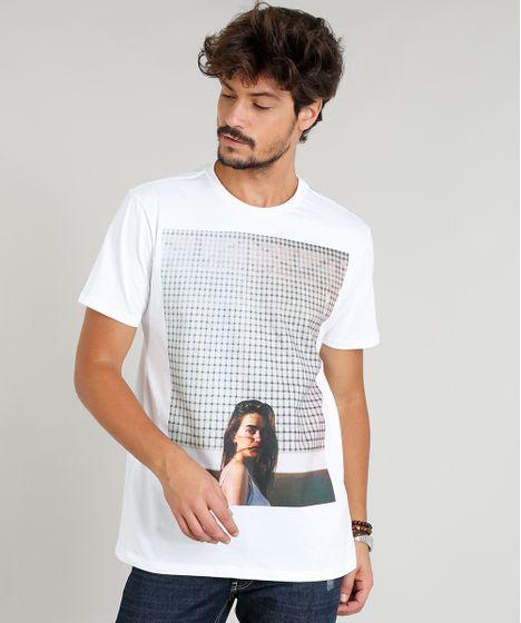 b5196d0d1f Camiseta Masculina com Estampa de Mulher Manga Curta Gola Careca ...
