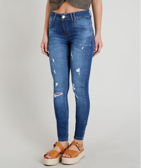 cf43b3aac Calça Jeans Feminina Sawary Super Skinny Levanta Bumbum com Puídos ...