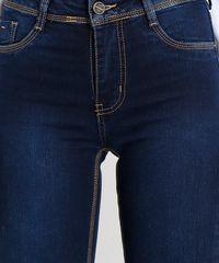 5ba9767c3 Calça Jeans Feminina Sawary Flare com Barra Desfiada Azul Escuro ...
