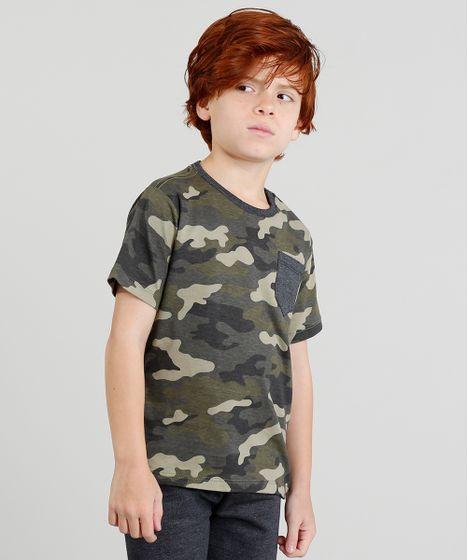 Camiseta Infantil Estampada Camuflada com Bolso e Manga Curta Verde ... b4fb815c543e5