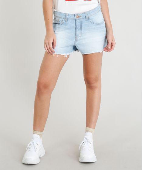 a9ac962f44 Short Jeans Feminino Boy com Barra Desfiada Azul Claro - cea