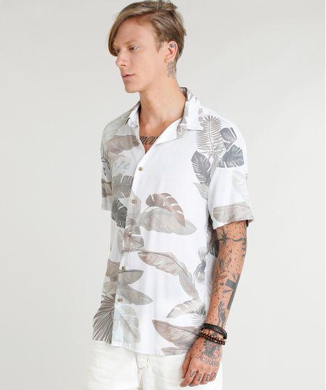 1771efb024 Camisa Masculina Estampada de Folhagens Manga Curta Off White - cea