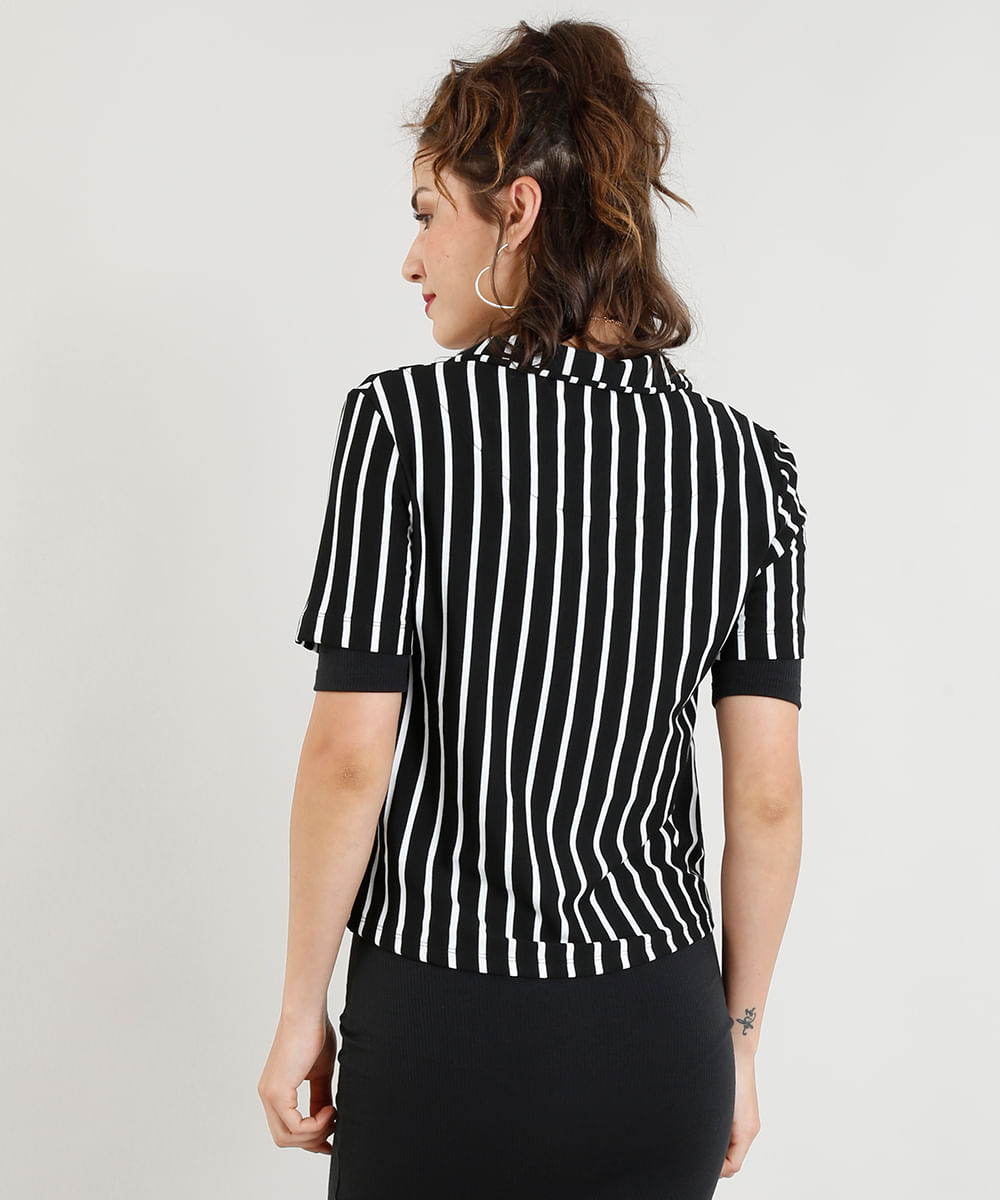 Camisa Feminina Cropped Listrada com Bolso Manga Curta Off White - cea f9f81cfdeceab
