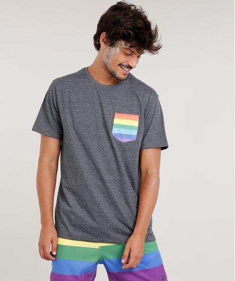 1bce637e8 Camiseta Masculina com Bolso Estampado Arco-Íris Manga Curta Gola ...