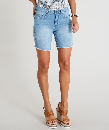 8d4347e238 Bermuda-Jeans-Feminina-com-Barra-Desfiada-Azul-Claro-