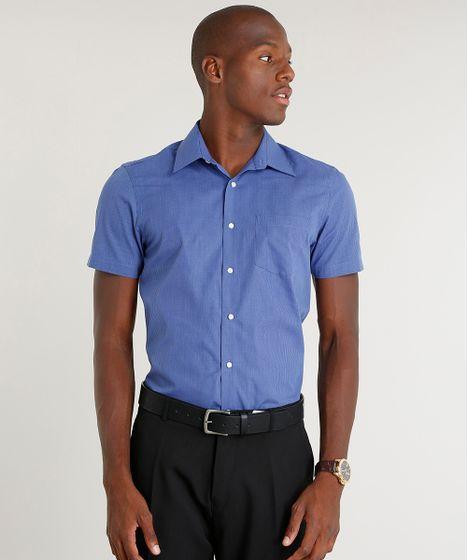 17ac689f3 Camisa Masculina Comfort Estampada Xadrez com Bolso Manga Curta Azul ...