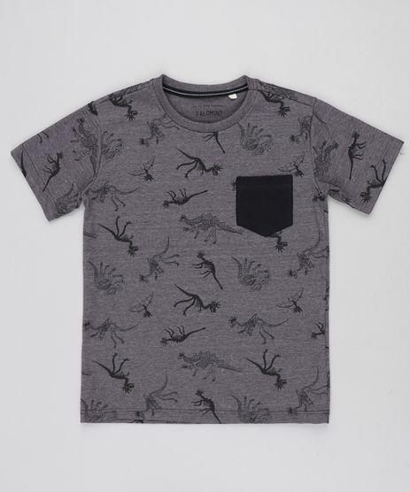 Camiseta-Infantil-Estampada-de-Dinossauros-com-Bolso-Manga-Curta-Gola-Careca-Cinza-Mescla-Escuro-9037934-Cinza_Mescla_Escuro_1