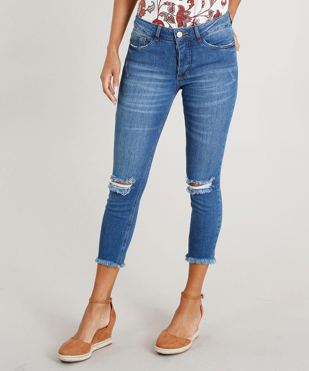 d3fa44fbe8 Calça Jeans Feminina Cropped com Rasgos Azul Médio - cea
