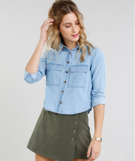 2f082d1f92 Camisa Jeans Feminina Cropped com Bolsos Manga Longa Azul Claro - cea